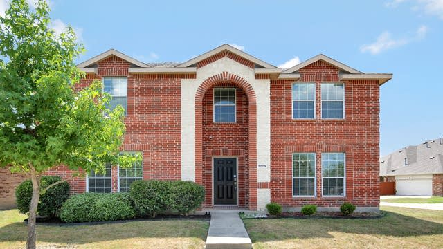 Photo 1 of 26 - 2005 Bentwood Dr, Glenn Heights, TX 75154