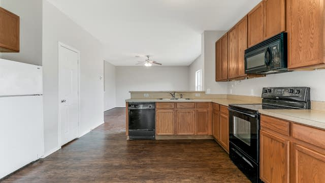 Photo 1 of 15 - 5004 Caraway Dr, Fort Worth, TX 76179