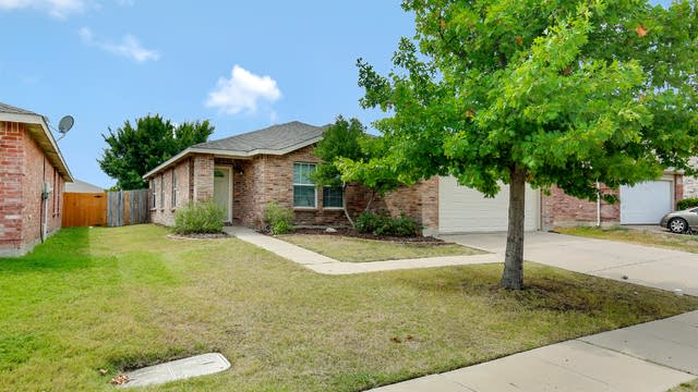 Photo 1 of 25 - 16653 Windthorst Way, Justin, TX 76247