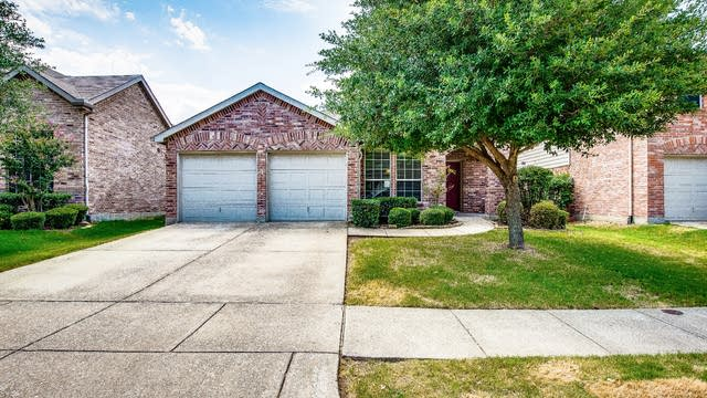 Photo 1 of 26 - 1019 Kimbro Dr, Forney, TX 75126