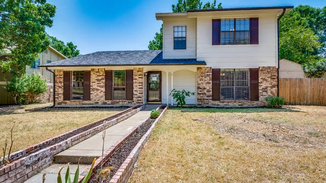 Photo 1 of 27 - 758 Holly Oak Dr, Lewisville, TX 75067