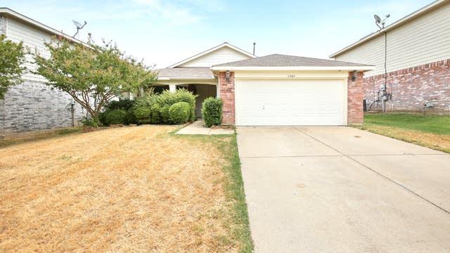 Photo 1 of 23 - 6060 Arabian Ave, Fort Worth, TX 76179