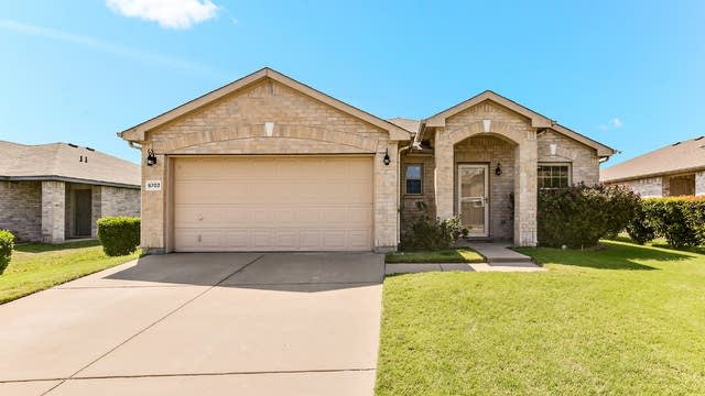Photo 1 of 25 - 6702 Switchgrass Rd, Arlington, TX 76002