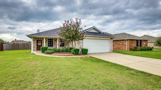 Photo 1 of 25 - 1118 Twin Lakes Dr, Wylie, TX 75098