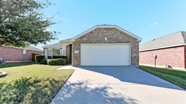 Photo 1 of 26 - 6336 Stone Lake Dr, Fort Worth, TX 76179