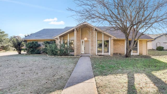 Photo 1 of 25 - 4501 Francisco Ct, Fort Worth, TX 76133