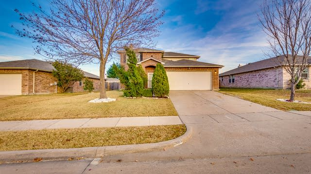Photo 1 of 24 - 2609 Mariners Dr, Little Elm, TX 75068