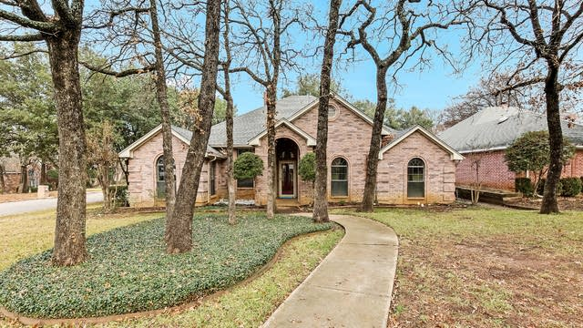 Photo 1 of 23 - 3407 Forestshire Ct, Arlington, TX 76001
