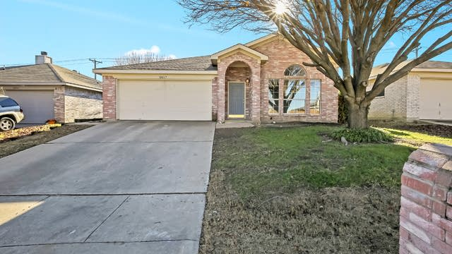 Photo 1 of 23 - 10837 Deauville Cir S, Fort Worth, TX 76108