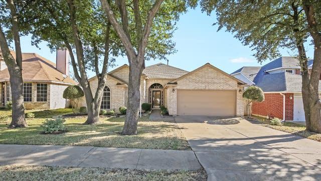 Photo 1 of 30 - 4322 Briar Hill Dr, Grand Prairie, TX 75052