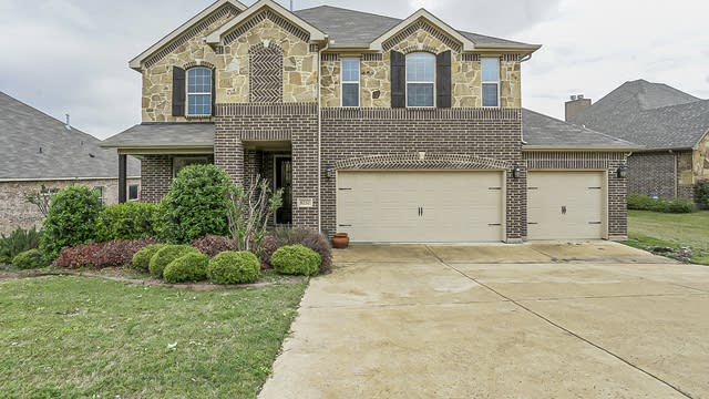 Photo 1 of 36 - 8232 Western Lakes Dr, Fort Worth, TX 76179