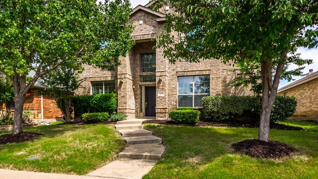 Photo 1 of 34 - 4528 Worchester Ln, McKinney, TX 75070