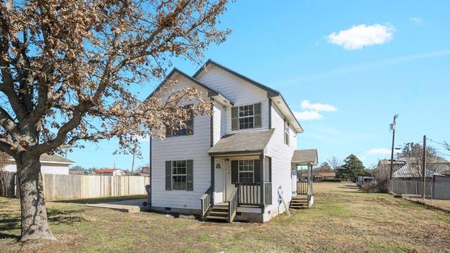 Photo 1 of 26 - 408 Ashwood St, Azle, TX 76020