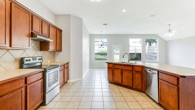 Photo 1 of 25 - 12205 Hedge Apple Ct, Fort Worth, TX 76244