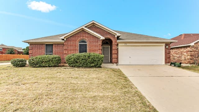 Photo 1 of 23 - 1715 Wolf Creek Dr, Arlington, TX 76018