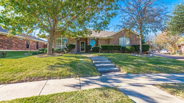 Photo 1 of 19 - 2301 Elkridge Dr, Mesquite, TX 75181
