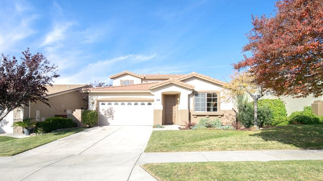 Photo 1 of 24 - 34536 Yale Dr, Yucaipa, CA 92399