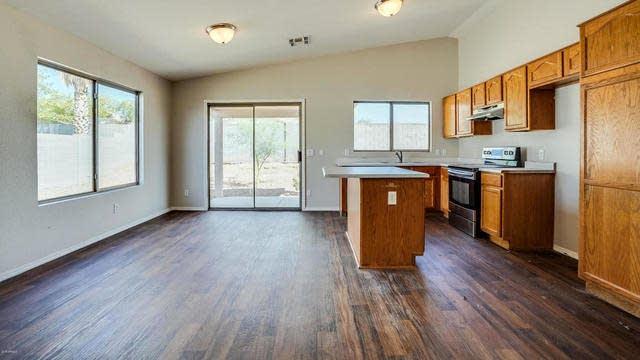 Photo 1 of 21 - 8960 E Birchwood Cir, Mesa, AZ 85208