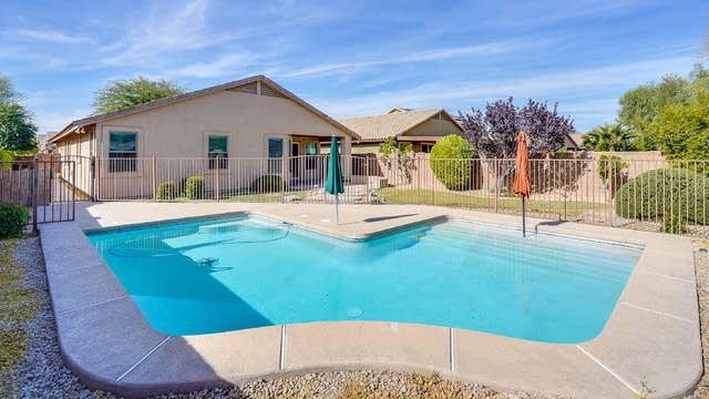 Photo 1 of 33 - 20547 N 89th Dr, Peoria, AZ 85382
