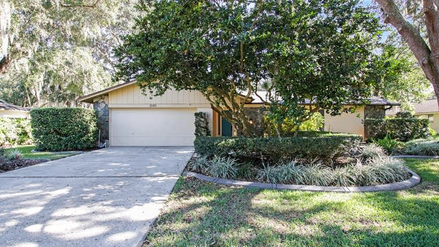 Photo 1 of 15 - 3049 Wister Cir, Valrico, FL 33596