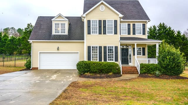 Photo 1 of 17 - 10 Woodcrest Dr, Youngsville, NC 27596