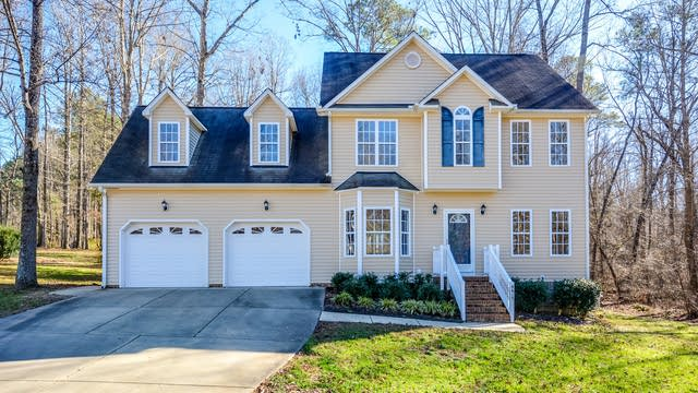 Photo 1 of 18 - 8413 Ridgebury Rd, Raleigh, NC 27603