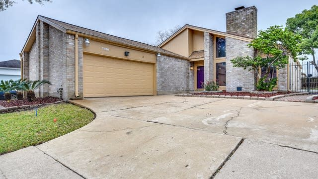 Photo 1 of 18 - 7830 Duffield Ln, Houston, TX 77071