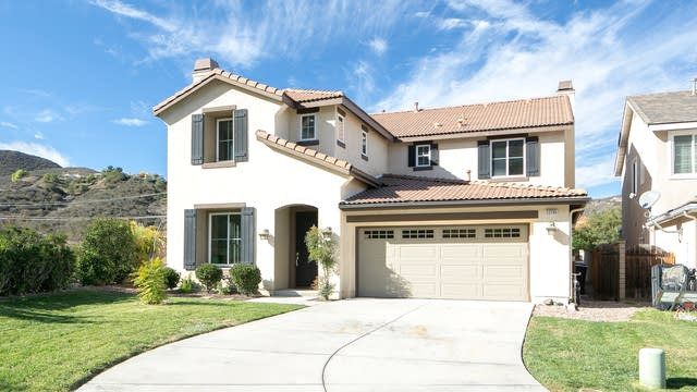 Photo 1 of 26 - 22735 Montanya Pl, Murrieta, CA 92562