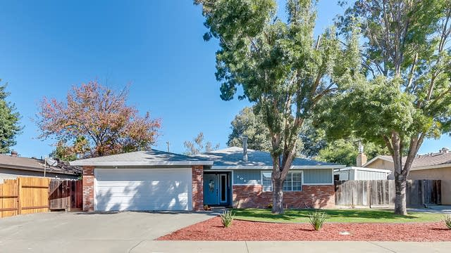 Photo 1 of 16 - 701 Donner Way, Woodland, CA 95695