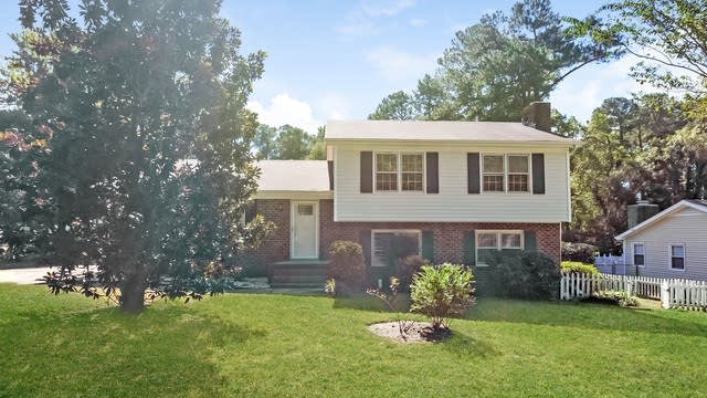 Photo 1 of 28 - 5308 Quail Meadow Dr, Raleigh, NC 27609