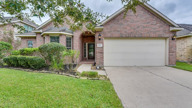 Photo 1 of 21 - 6107 Carnaby Ln, Rosenberg, TX 77471