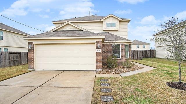 Photo 1 of 17 - 16779 N Gull Dr, Conroe, TX 77385