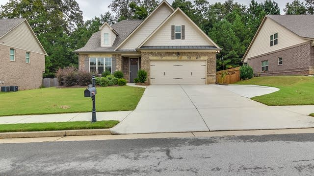 Photo 1 of 19 - 4242 Brentwood Dr, Buford, GA 30518