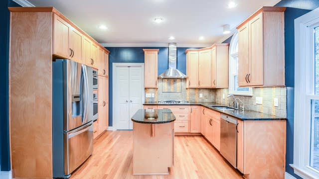 Photo 1 of 17 - 103 Madrigal Ct, Cary, NC 27513