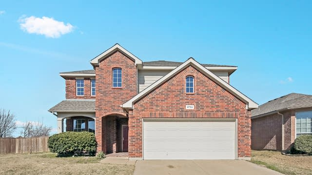 Photo 1 of 25 - 9756 Brenden Dr, Fort Worth, TX 76108