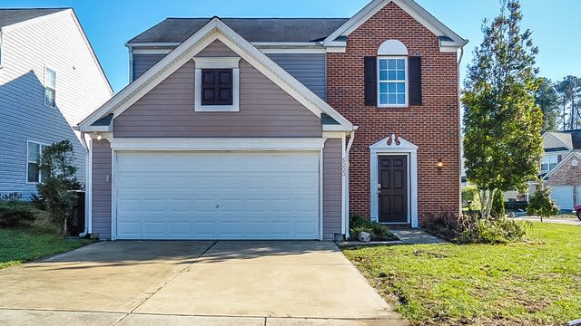 Photo 1 of 24 - 8000 Caliber Woods Dr, Raleigh, NC 27616