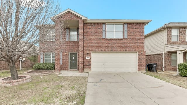 Photo 1 of 24 - 4849 Leaf Hollow Dr, Fort Worth, TX 76244