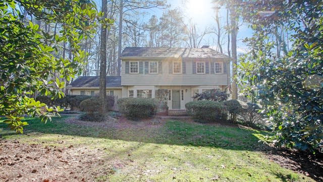 Photo 1 of 16 - 7095 Faunsworth Dr, Atlanta, GA 30328