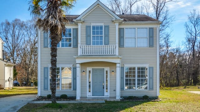 Photo 1 of 18 - 3116 Tuckland Dr, Raleigh, NC 27610