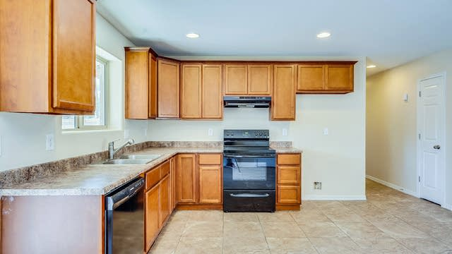 Photo 1 of 20 - 4441 W Vernon Ave, Phoenix, AZ 85035