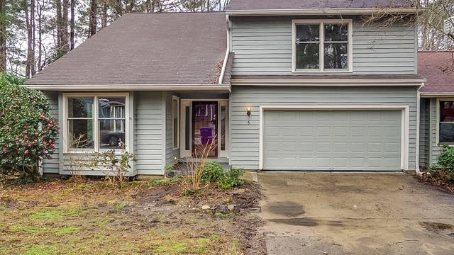 Photo 1 of 24 - 6 Clover Dr, Chapel Hill, NC 27517