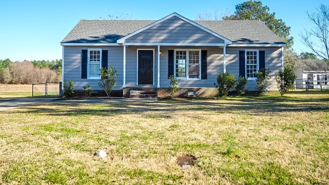 Photo 1 of 25 - 704 Towne Square Rd, Wendell, NC 27591