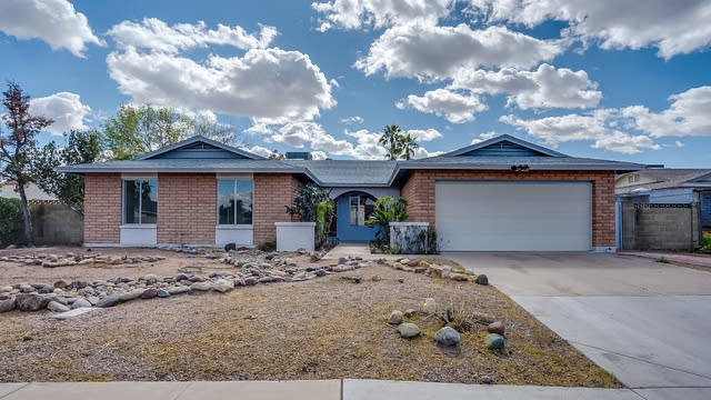 Photo 1 of 32 - 859 W Cheyenne Dr, Chandler, AZ 85225