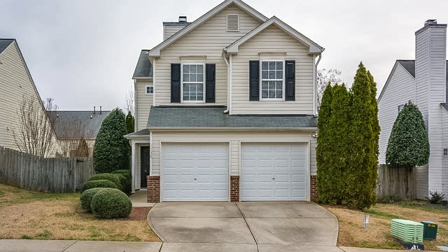 Photo 1 of 15 - 136 Lacombe Ct, Holly Springs, NC 27540