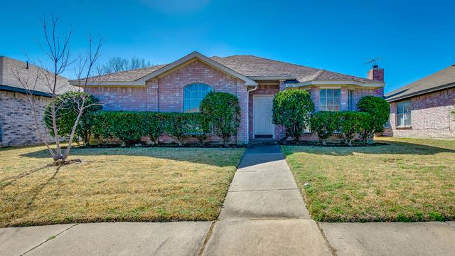 Photo 1 of 21 - 1433 Cool Springs Dr, Mesquite, TX 75181