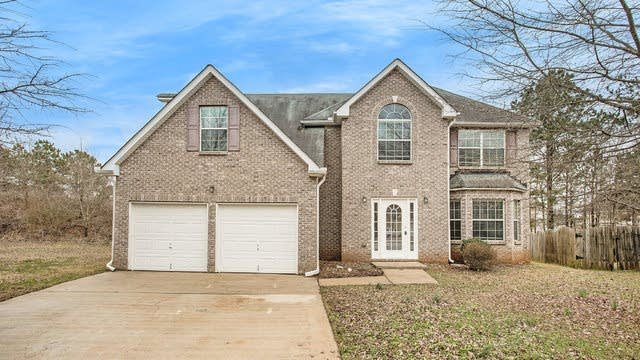 Photo 1 of 19 - 385 Kentwood Springs Dr, Hampton, GA 30228