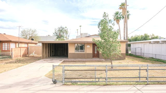 Photo 1 of 14 - 5819 W Citrus Way, Glendale, AZ 85301