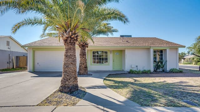 Photo 1 of 25 - 2421 E Butte St, Mesa, AZ 85213