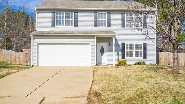 Photo 1 of 25 - 504 Blooming Meadows Rd, Holly Springs, NC 27540