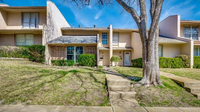 Photo 1 of 21 - 509 Valley Park Dr, Garland, TX 75043